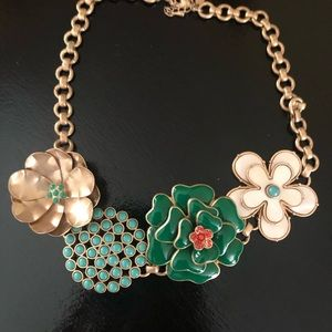Stella and Dot Happy Flower Necklace